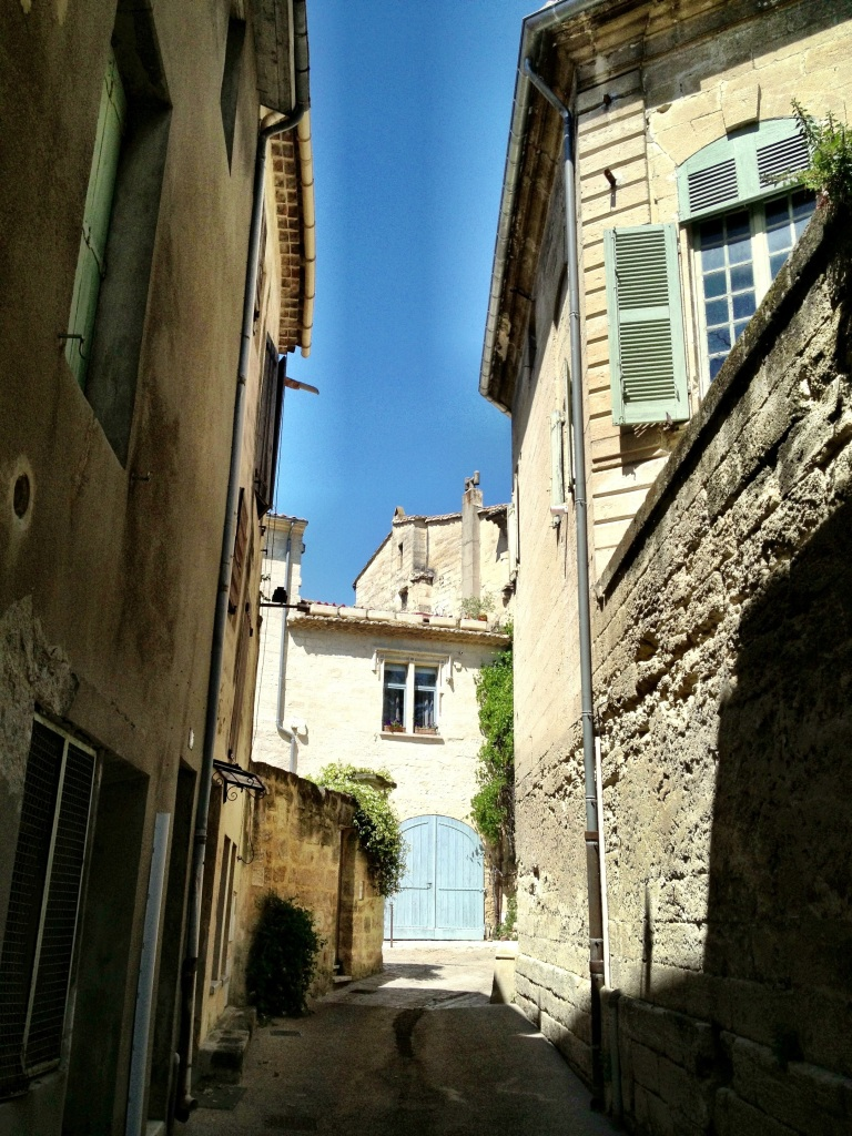 Narrow street in Uzes