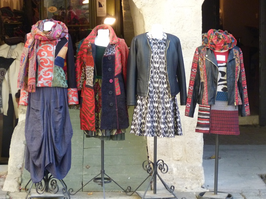 One type of provençal fashion found in Uzes