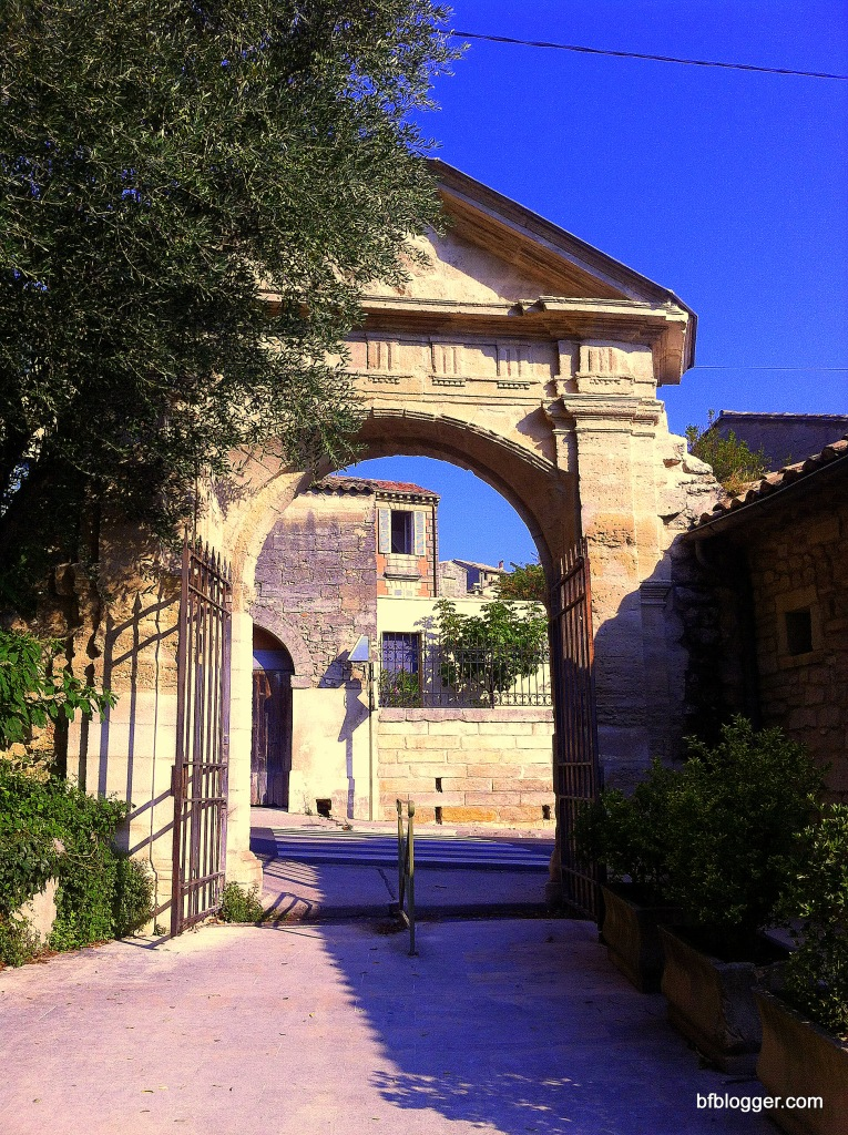 Entrance to the city park in Uzes