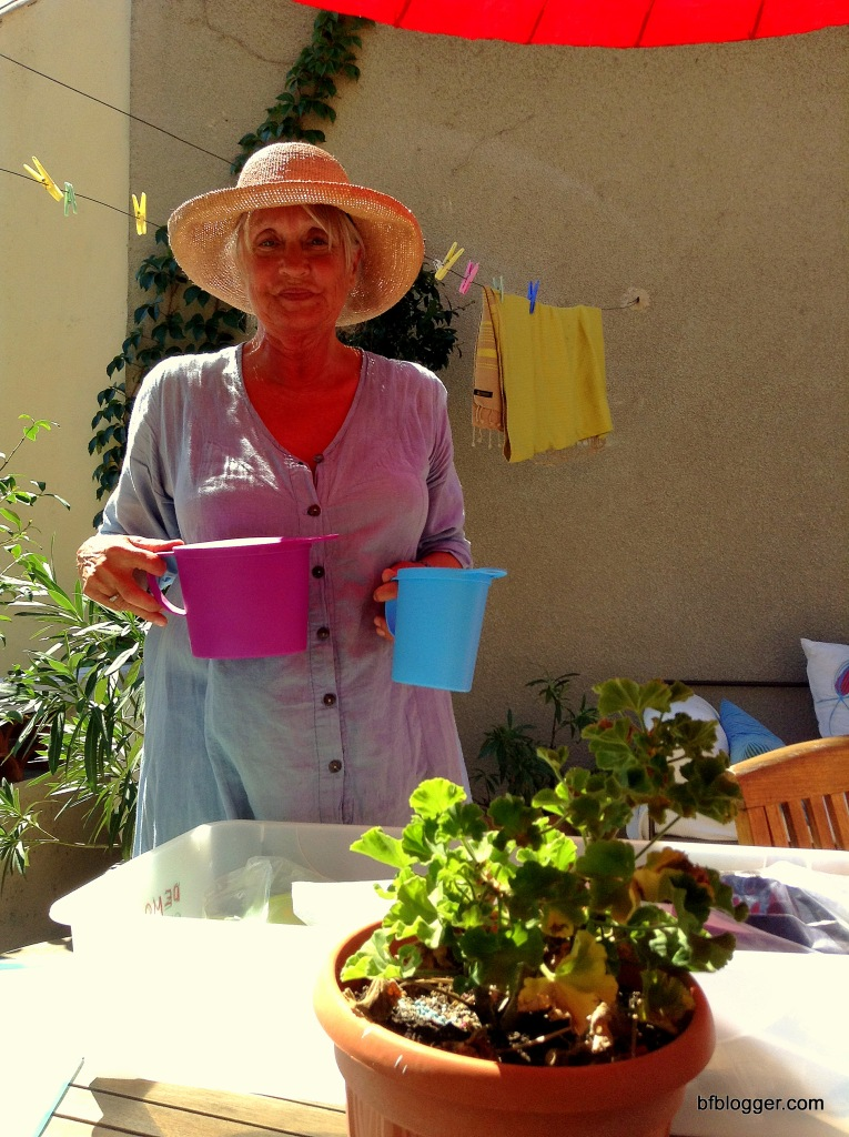 """Carola with the her invention, the """"Pipinette"""""""