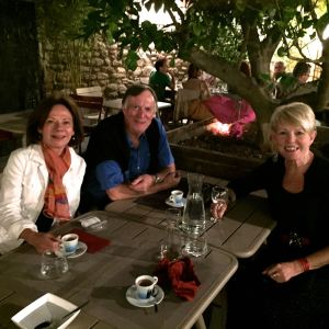 Dinner with friends in the garden at Le Comptoir 7