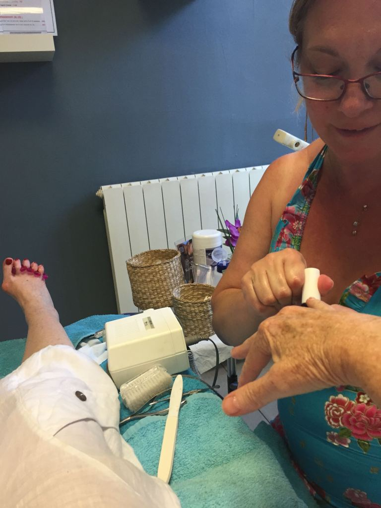 Water-less manicures and pedicures
