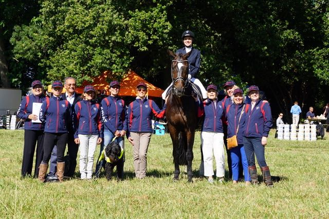 The Scoobies with Verity Smith in competition
